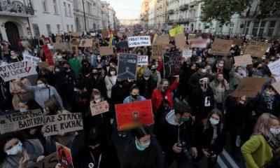 Polonia protestează din nou pentru drepturile femeilor. Legea avortului tot mai contestată