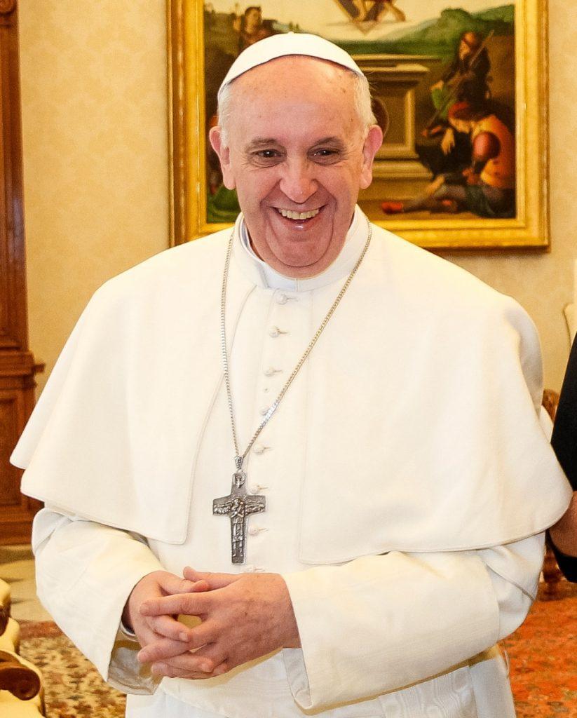 Papa Francisc nu poate sustine celebrele slujbe  Te Deum și Liturghia de Anul Nou