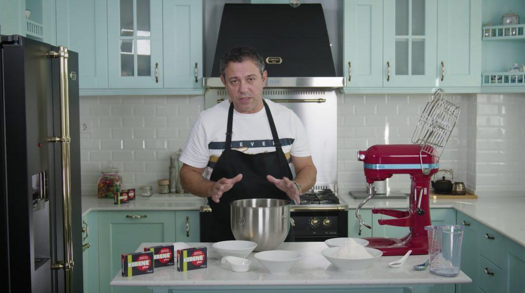 Chef Sorin Bontea are o rețetă specială de Gogoși de la mama lui. Ingredintele necesare
