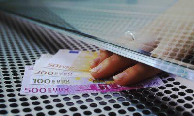 Amanarea ratelor poate crește costul creditului cu 9%