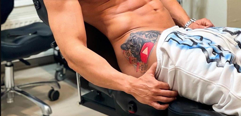 Fanii il citrica pe Dorian Popa că și-a făcut tatuaj în aceasta zona a corpului