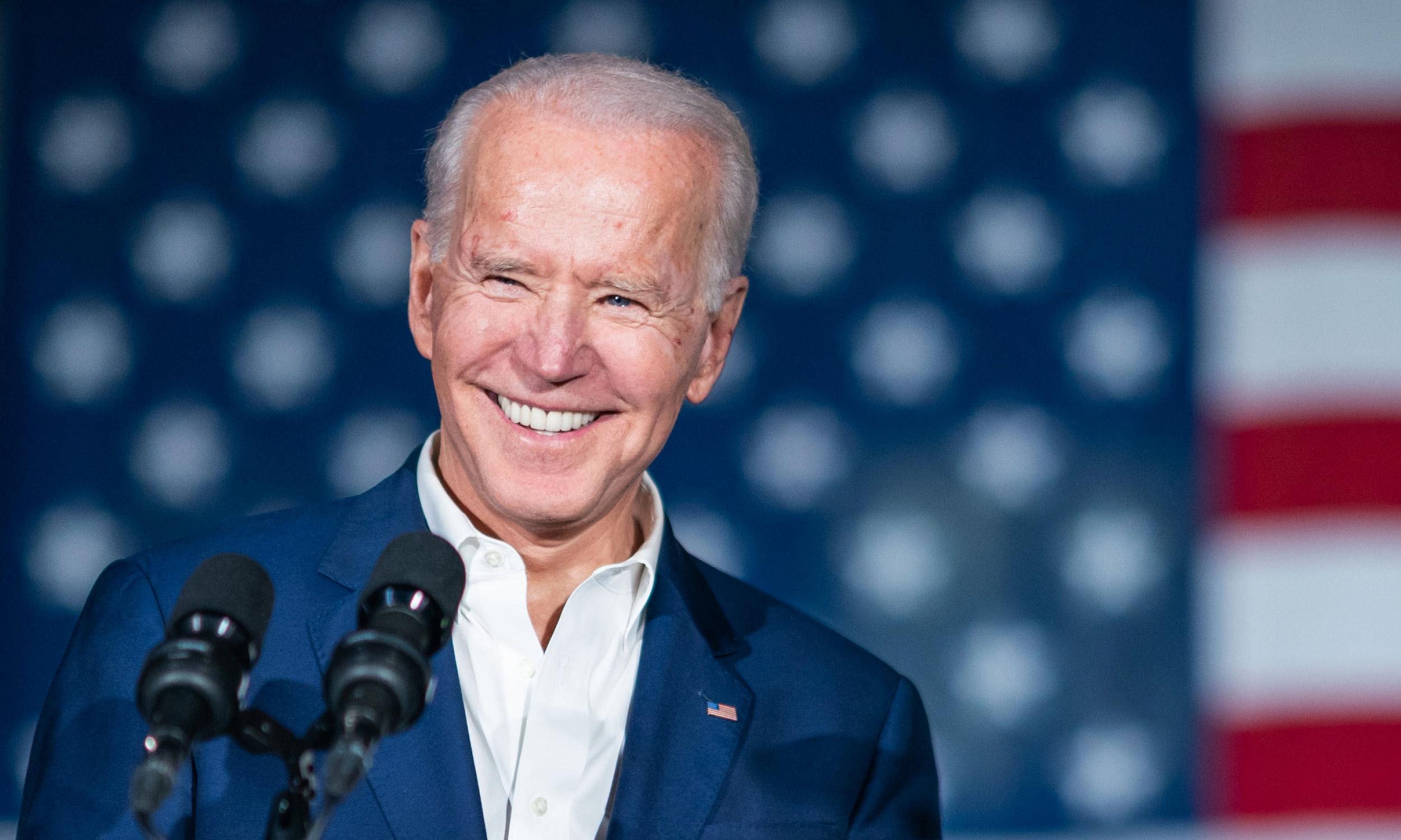 Joe Biden i-a trimis acasă pe cei doi patrupezi. Unul dintre căței a mușcat un agent de securitate