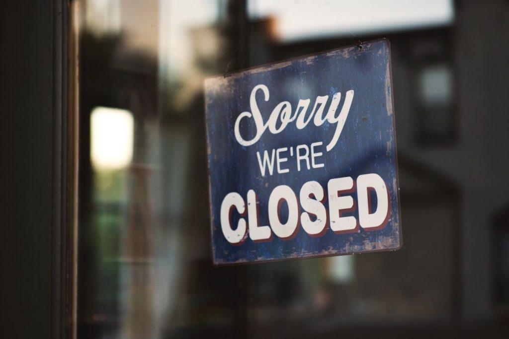 Restaurantele, cafenelele, cluburile și barurile din București se închid