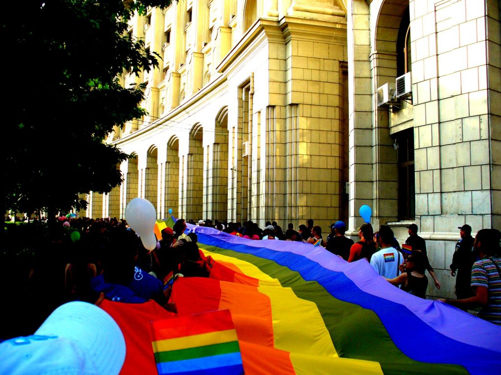 România a devenit mai puțin homofobă în ultimii ani